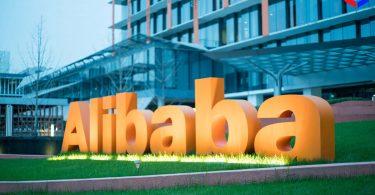 Виручка Alibaba в «День холостяків» перевищила $ 38 млрд. Раніше компанія впровадила BTC-кешбек за покупки