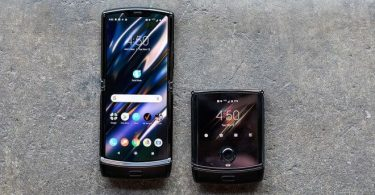 Motorola представила нову модель Razr з гнучким екраном