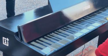 OnePlus фортепіано