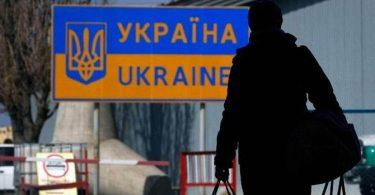 Без зростання економіки еміграцію не зупинити: чи є спосіб припинити відтік українців
