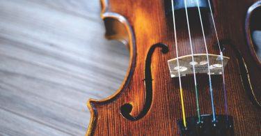 Пацієнтка зіграла на скрипці під час операції на мозку