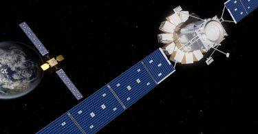 Космічний заправник провів першу в історії успішну стиковку на орбіті