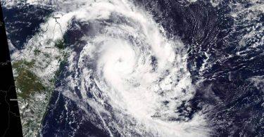 Чому сповільнюються урагани і чому це так погано: нове дослідження