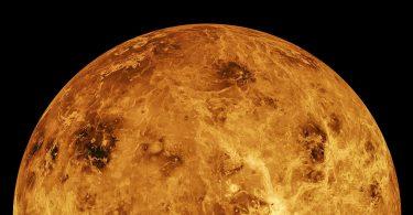 Астрономи розгадали таємницю обертання Венери