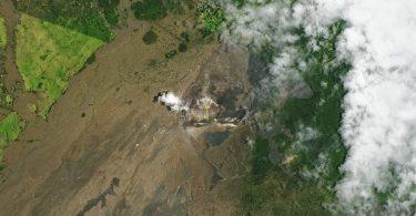 У кратері вулкана Кілауеа з'явилося величезне озеро