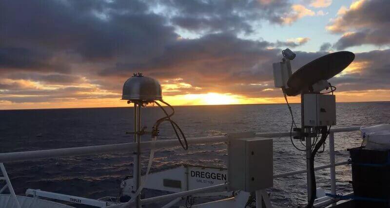 Аерозольні фільтри для збору проб повітря над Південним океаном