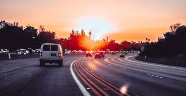 Забруднене повітря автомагістралей може впливати на розвиток мозку