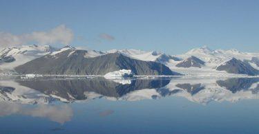 Антарктида втратила значну кількість льоду