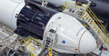 Автопілот космічного корабля Crew Dragon показали в дії