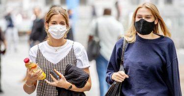Експерти розповіли про негативну властивість масок для обличчя