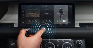 Jaguar Land Rover показав безконтактний сенсорний дисплей