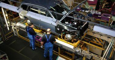 Автовиробництво в Україні обвалилося більш як на третину