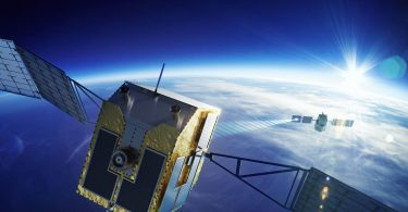 Японський супутник почне знищувати космічне сміття за допомогою лазера