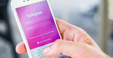 Instagram «зловили на стеженні» за користувачами iPhone