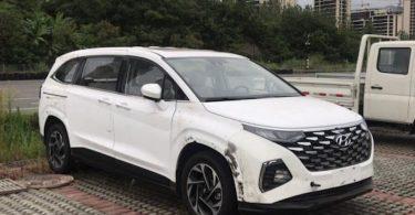 Новий мінівен Hyundai сфотографували без камуфляжу