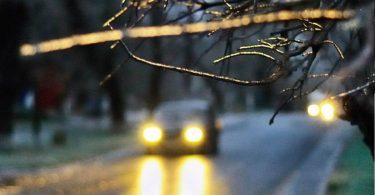10 популярних автомобілів з жахливим світлом фар