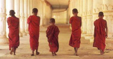 Монахи тибету