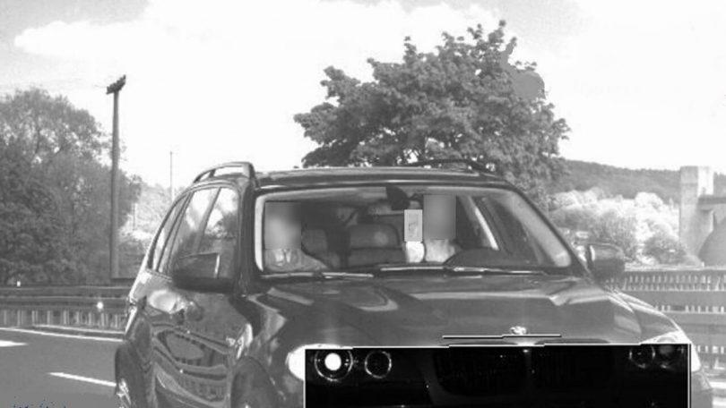 Водій BMW