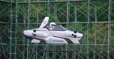 В Японії відбувся перший запуск «літаючого автомобіля» з водієм