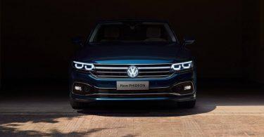 Volkswagen Phideon оновився і отримав логотип з підсвічуванням
