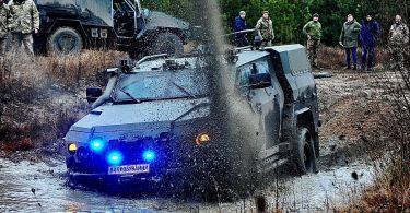 Український бронеавтомобіль оснастили новим озброєнням: подробиці