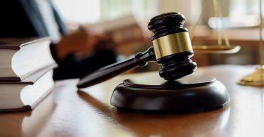 КСУ розгляне конституційність закону про землю
