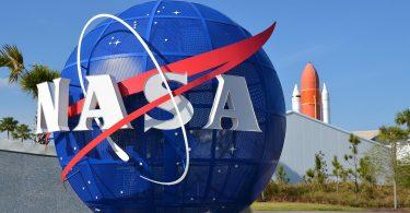 NASA показало красу світанку з космосу