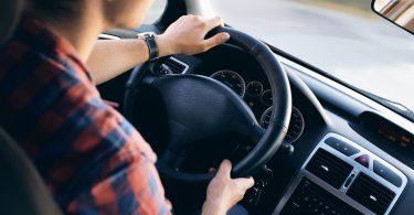 Лікарі перерахували способи запобігання больових відчуттів в спині у водіїв