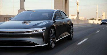 Конкурент Tesla показав новий електрокар в дії [ВІДЕО]