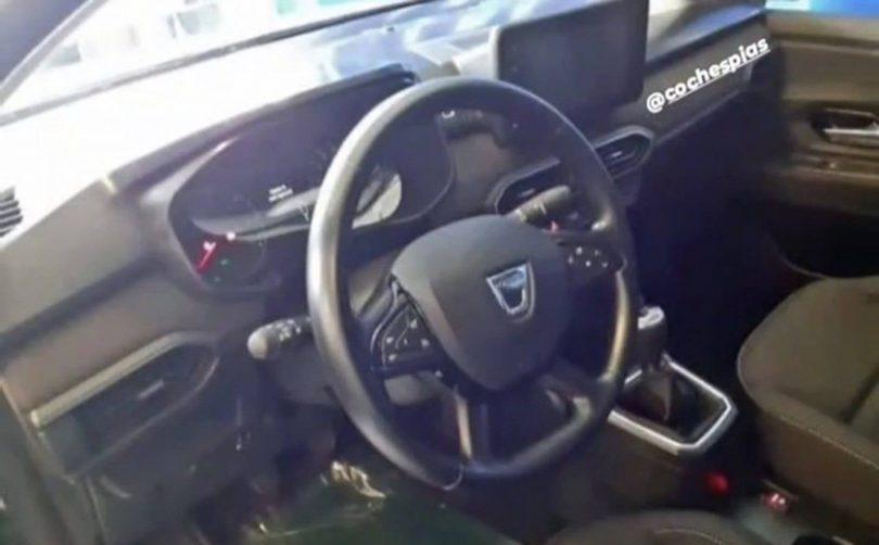 Салон нового Dacia Sandero