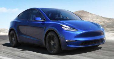У електрокарах Tesla знайшли ізоляційну стрічку і палиці