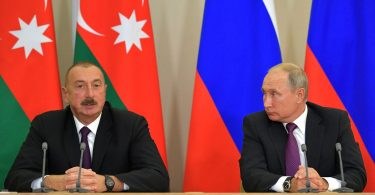 Путін вперше обговорив з Алієвим Карабах