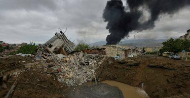 У Карабасі загинули майже 700 військових Вірменії і НКР