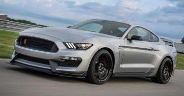 В Європі припинили продавати «екологічні» версії Ford Mustang