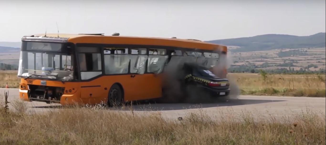 Зіткнення авто на швидкості понад 200 км/год