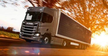 Представлена вантажівка, яка працює від енергії сонця