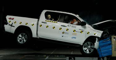 Безпеку дизельного Toyota Hilux оцінили на п'ять зірок