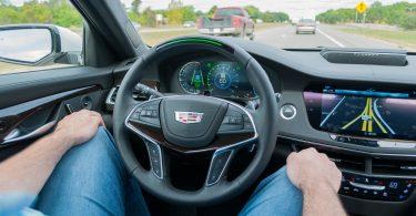 Автопілот Tesla виявився не кращим в індустрії