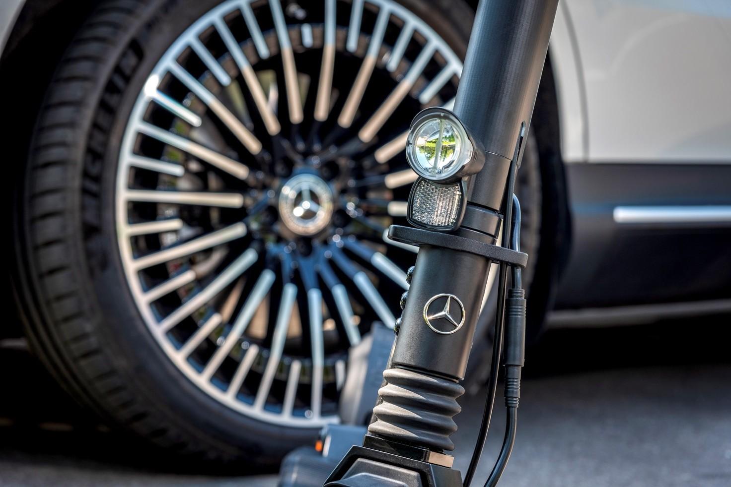 Електросамокат Mercedes-Benz