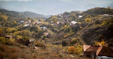 Єреван: Половина населення залишила Карабах