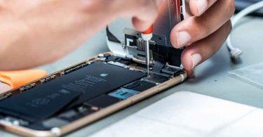 Європарламент зобов'язав виробників смартфонів вказувати їх ремонтопридатність