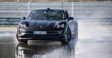 Porsche Taycan потрапив в Книгу рекордів Гіннесса, проїхавши в безперервному дрифті 42 кілометри
