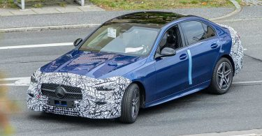 Новий Mercedes-Benz C-Class виявили на тестах