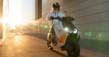 BMW представила майже серійний електроскутер майбутнього