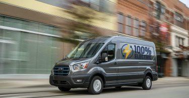 Популярний фургон Ford Transit отримав електричну версію