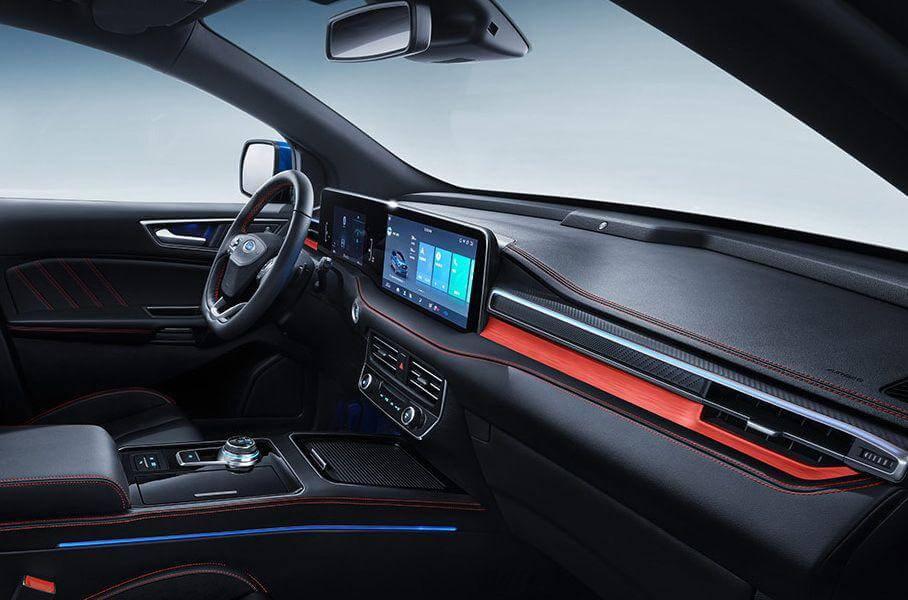 Інтер'єр Ford Edge Plus для китайського ринку
