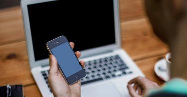 Згідно з дослідженням, американці витрачають дві третини життя на перегляд екранів цифрових гаджетів