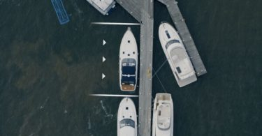 Volvo створила технологію безпілотної «парковки» човнів