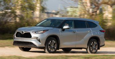 Toyota придумала назву для нового позашляховика