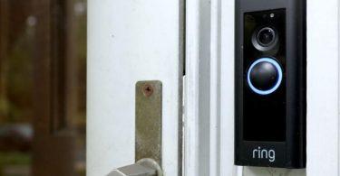 Хакери зламують «розумні» будинки, викликають спецназ і транслюють штурм в прямому ефірі